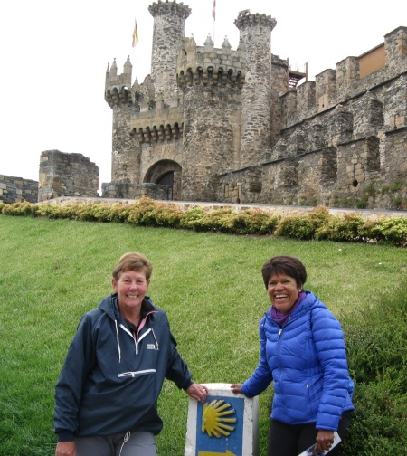 Sue and Awilda at Ponferrada