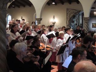 choir-singing-gloria